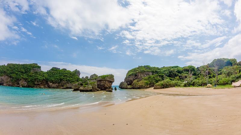 浜比嘉島の兼久ビーチ