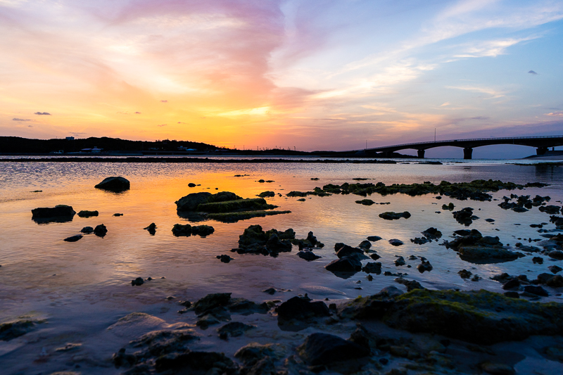 伊平屋島の米崎ビーチで見る夕日