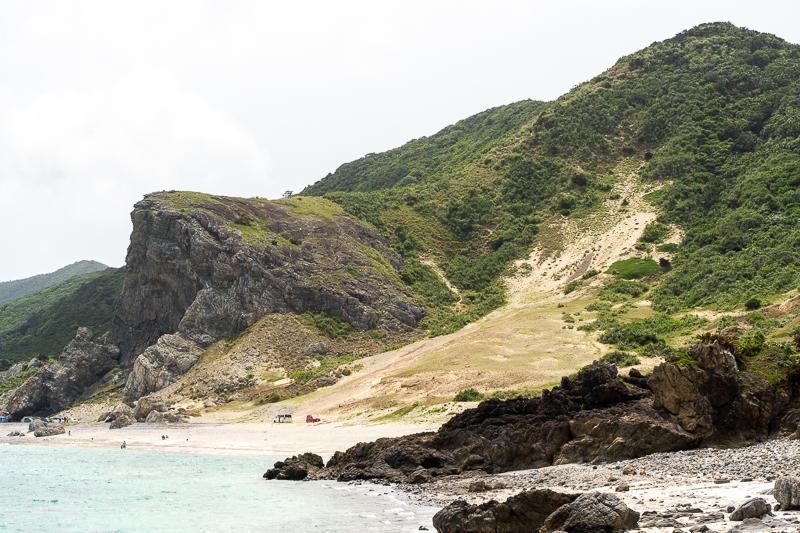伊平屋島のクマヤ洞窟外観