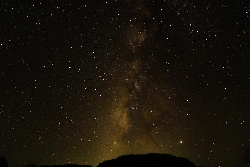 与論島のヨロン駅から見る星空
