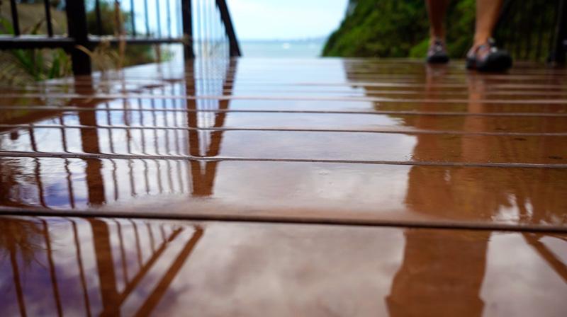ながはま海岸での雨上がりの反射