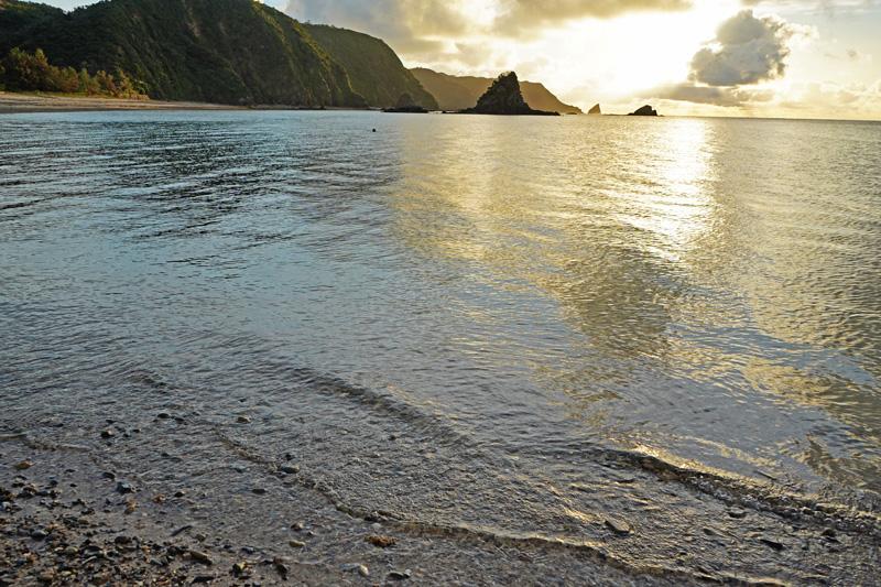 嘉陽ビーチの朝日