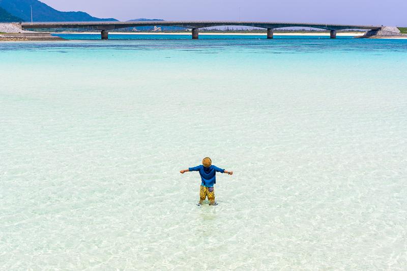 伊平屋島の野甫港から眺める海