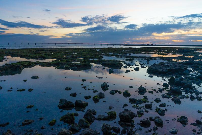瀬長島ウミカジテラスから見る夕焼け