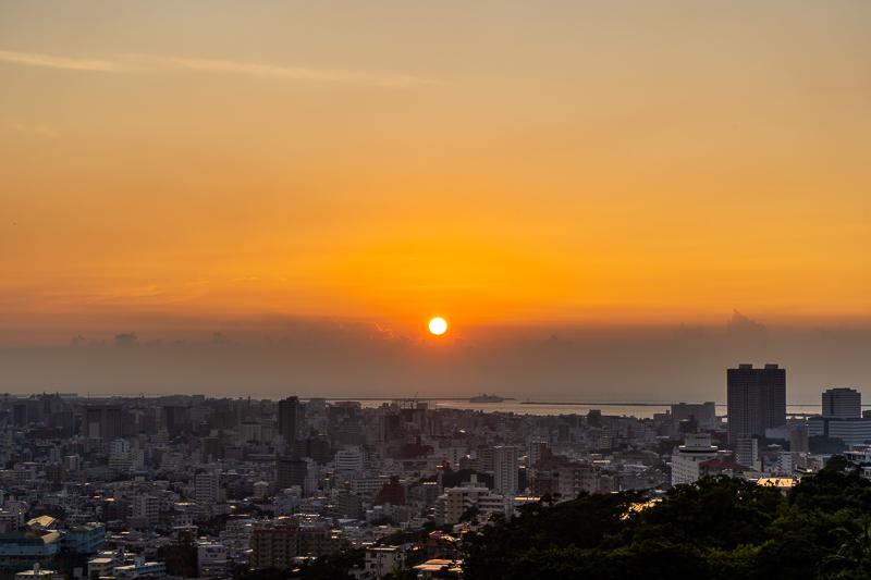 西のアザナから見る夕日