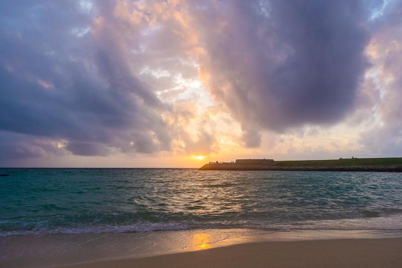 トロピカルビーチから見る夕日