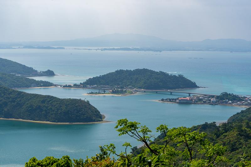 六田原展望台から眺める塩屋湾と塩屋大橋