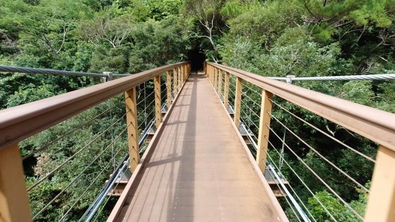 比地大滝の吊り橋